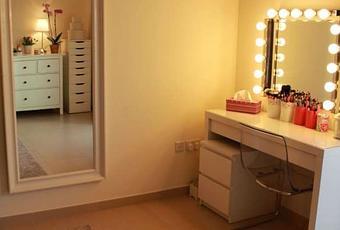 diy vanity mirror with lights for bathroom and makeup station paperblog. Black Bedroom Furniture Sets. Home Design Ideas