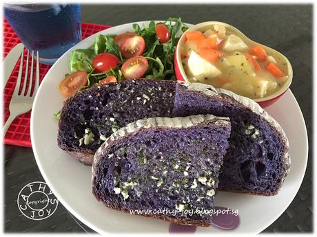 Blue Pea Bread 蝶豆花面包