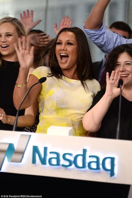 Vanessa Williams Is Officially A Wedded Catholic + Daughter Sasha Is Headed To College Soon