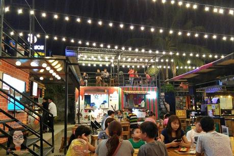 Food Lover's Guide to Iron Cabana Food Park