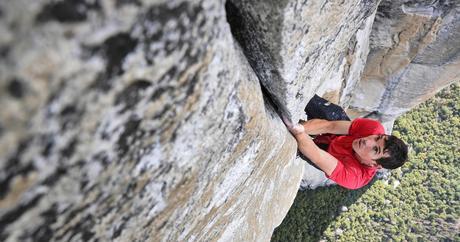 Alex Honnold Climbs El Cap Without Ropes