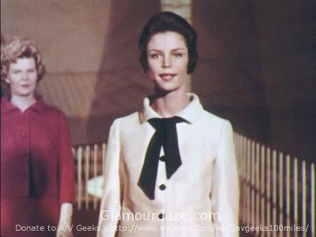 Airport-Chic---1962-Fashion-for-the-Three-Body-Types-4