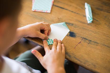 Origami Folding - Papel (Paper)
