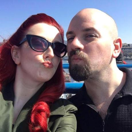 Between the Sheets with Polly Rae, Entrepreneuress of Burlesque…
