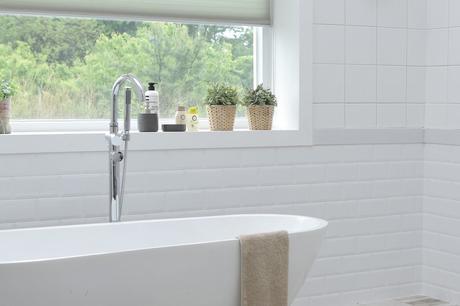 Bathroom Window Sill Decorating Ideas - Paperblog