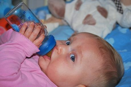 weaning from a bottle to a sippy cup