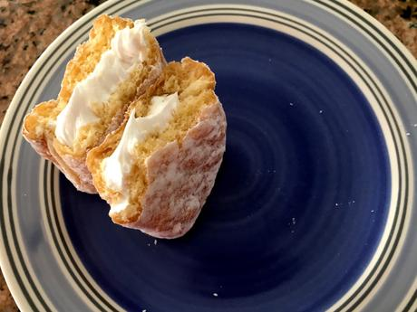 Food Review – Dot's Cream Filled Donut