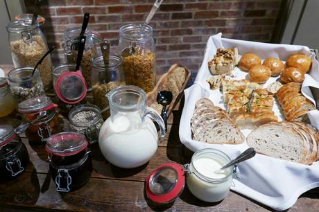 Breakfast Buffet at Kings Head, Cirencester