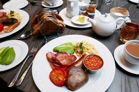 Breakfast at Kings Head, Cirencester
