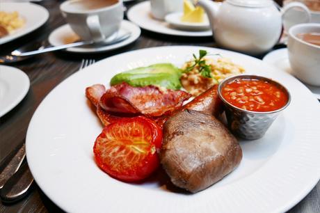 Full English Breakfast at Kings Head, Cirencester