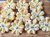 Flaky Flower Mooncake
