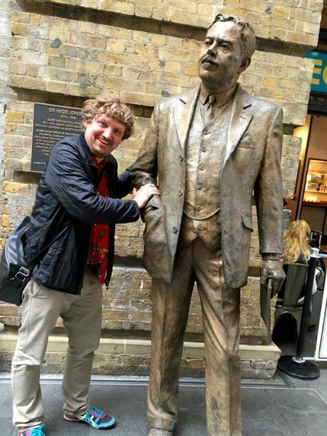 Award-winning UK comic to write play about Twin Peaks director David Lynch