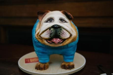 a bulldog wedding cake