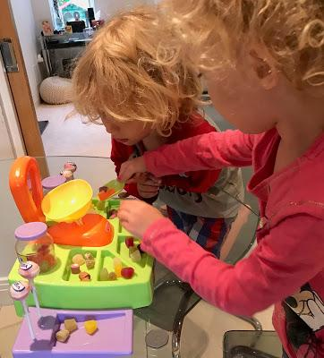 Cadson Little Shoppers Pick n Mix Sweet Shop Review