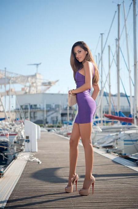women-wearing-high-heels