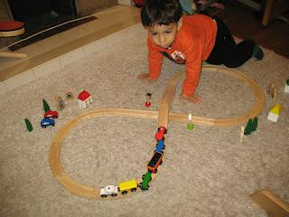 Review:{Big Jigs Wooden Rail CN Figure of 8 Train Set}