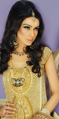 Amina Ilyas Stunning Bridal Makeup & Hairstye Shoot For Khawar Riaz