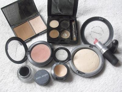 Whats In My Make-Up Bag?