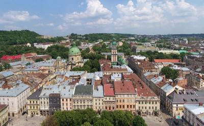 Lviv: Between East and West