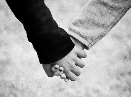 holding hands in love