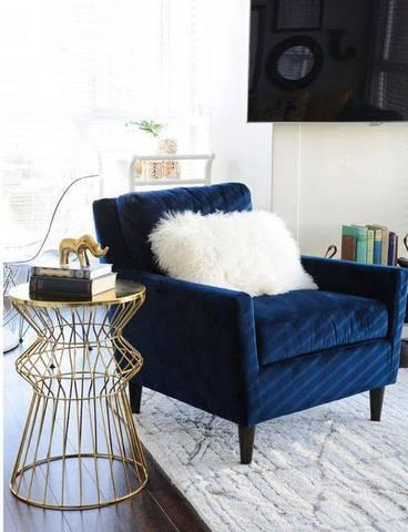 Stylish and practical ways to accessorize your living room