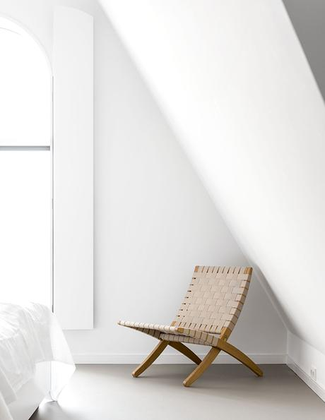 Fresh white scandinavian bedroom. Photo by Sjoerd Eickmans. Styling by April and May