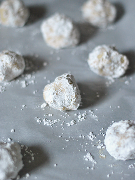 lemon ricotta cookie balls