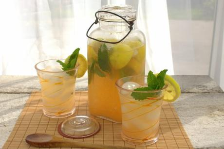 Cantaloupe Mint Lemonade