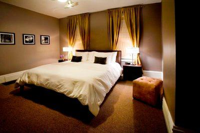 Accommodations: German Village Guesthouse in Columbus, Ohio