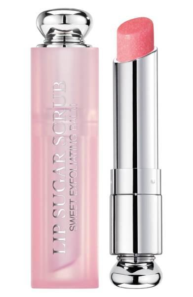 Lifestyle blogger Susan B. reviews Dior Lip Sugar Scrub lip exfoliator. Details at une femme d'un certain age.