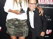 Halle Berry Gets 'best Mother' Award from Kidnap Co-star