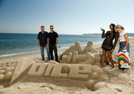 Pics! The Voice Welcomes Jennifer Hudson To The Team With Some Beach Fun