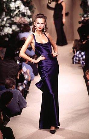 Fashion Show Changes: A Comparison between the 1990s and the 2010