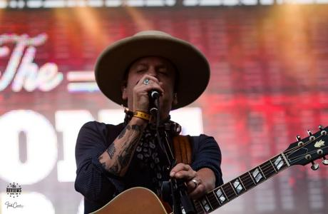 Can't Stay Away: Kiefer Sutherland at Boots & Hearts 2017