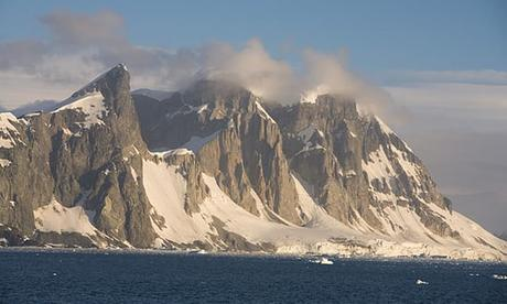 Researchers Discover 91 Previously Unknown Volcanoes Under Antarctica
