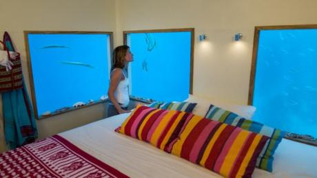 Luxurious Vacation on Underwater Resort