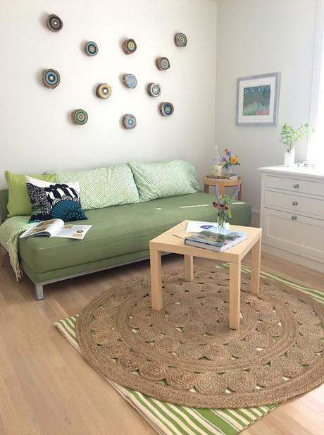 On Trend: Adding Texture & Style With a Round Jute Rug
