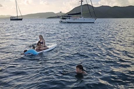 kids SUP beneteau swimming