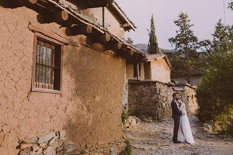 beautiful-rustic-wedding-in-cyprus-4