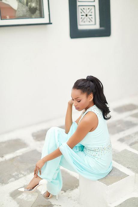gorgeous-fashion-shoot-in-Mykonos-11