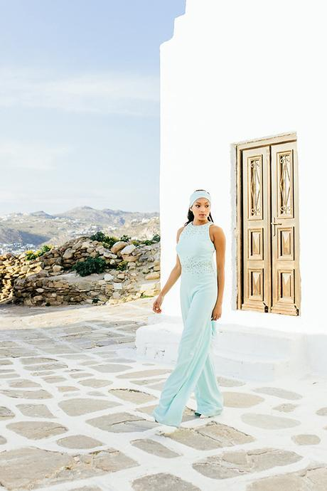 gorgeous-fashion-shoot-in-Mykonos-17