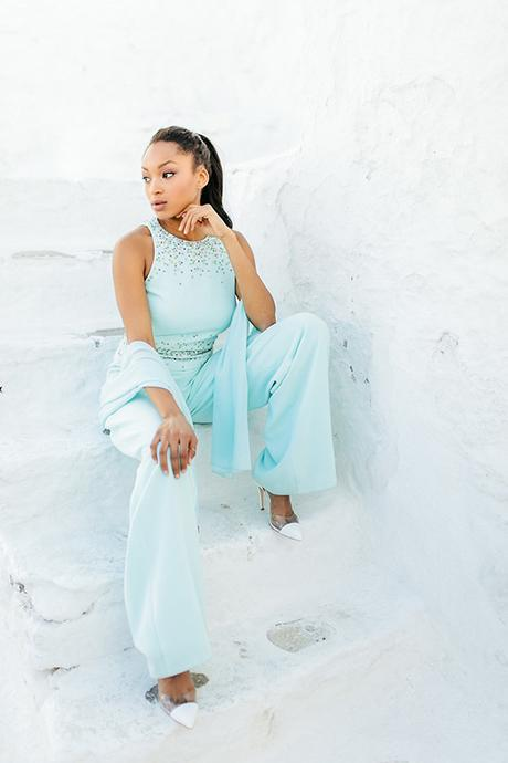 gorgeous-fashion-shoot-in-Mykonos-15