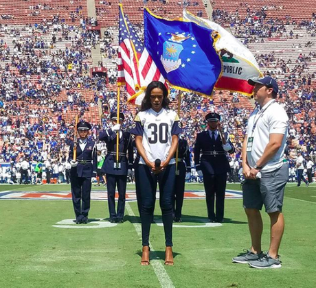 Michelle Williams Sings Star Spangled Banner At Rams VS. Colts Game [VIDEO]