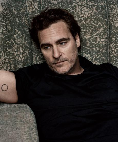 """Joaquin Phoenix Was Looking For Something """"Meaningful"""" When He Signed On To Play Jesus In Mary Magdalene"""