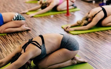 5 Tips to choosing a great yoga studio