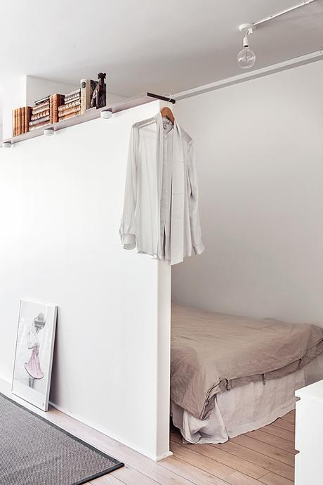 Bedroom with short wall divider | Fantastic Frank