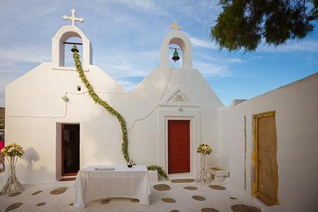 naturally-beautiful-wedding-mykonos-24