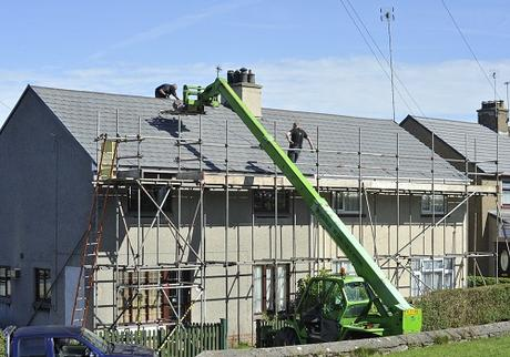 Roofers with the Latest Equipment