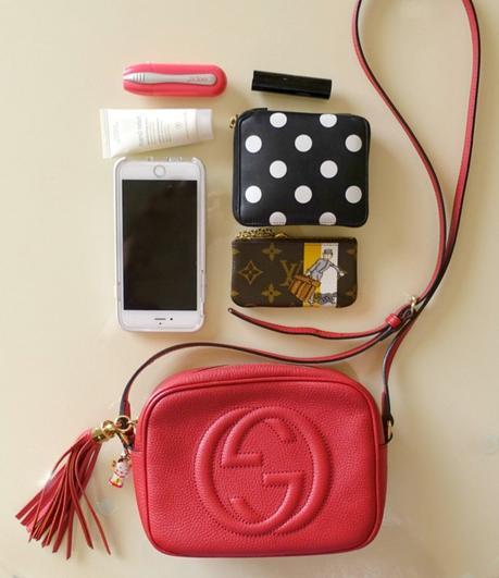 Gucci Soho disco bag and contents. Details at une femme d'un certain age.
