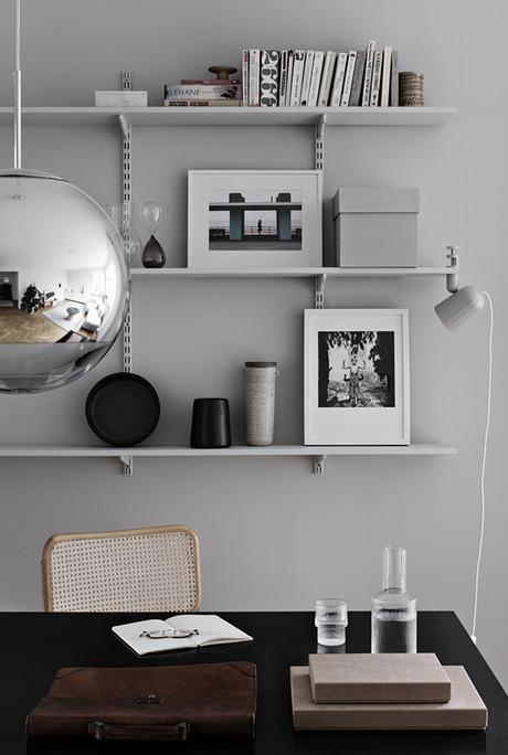 Dining room with gray walls via Elin Odnegård